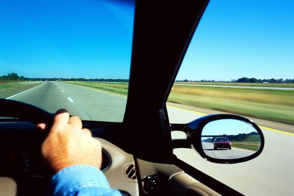 Driving Empat Aplikasi BlackBerry untuk Berkendara Lebih Aman aplikasi