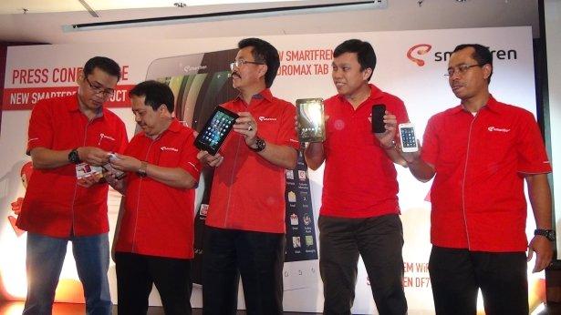 Smartfren Luncurkan New Andro Max Tab 7.0, Andro Max-i & Modem Wi-Fi Pertama Di Indonesia Image