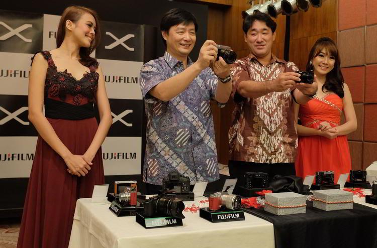 Fuji_XE2_launch_2