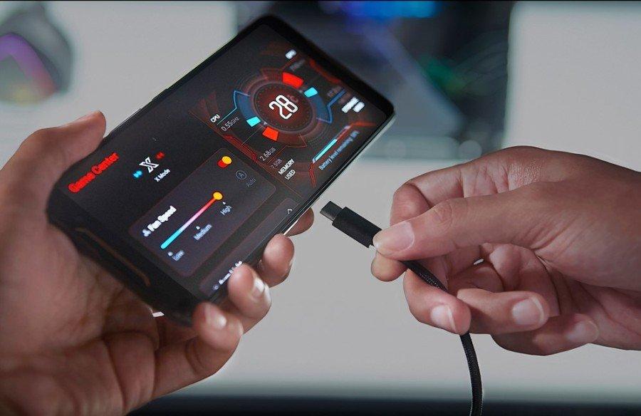 [Hands-On] Kesan Pertama Menggenggam Asus ROG Phone, Ponsel Gaming dengan Sederet Aksesori Keren 17 android, asus, ASUS ROG Phone, gaming