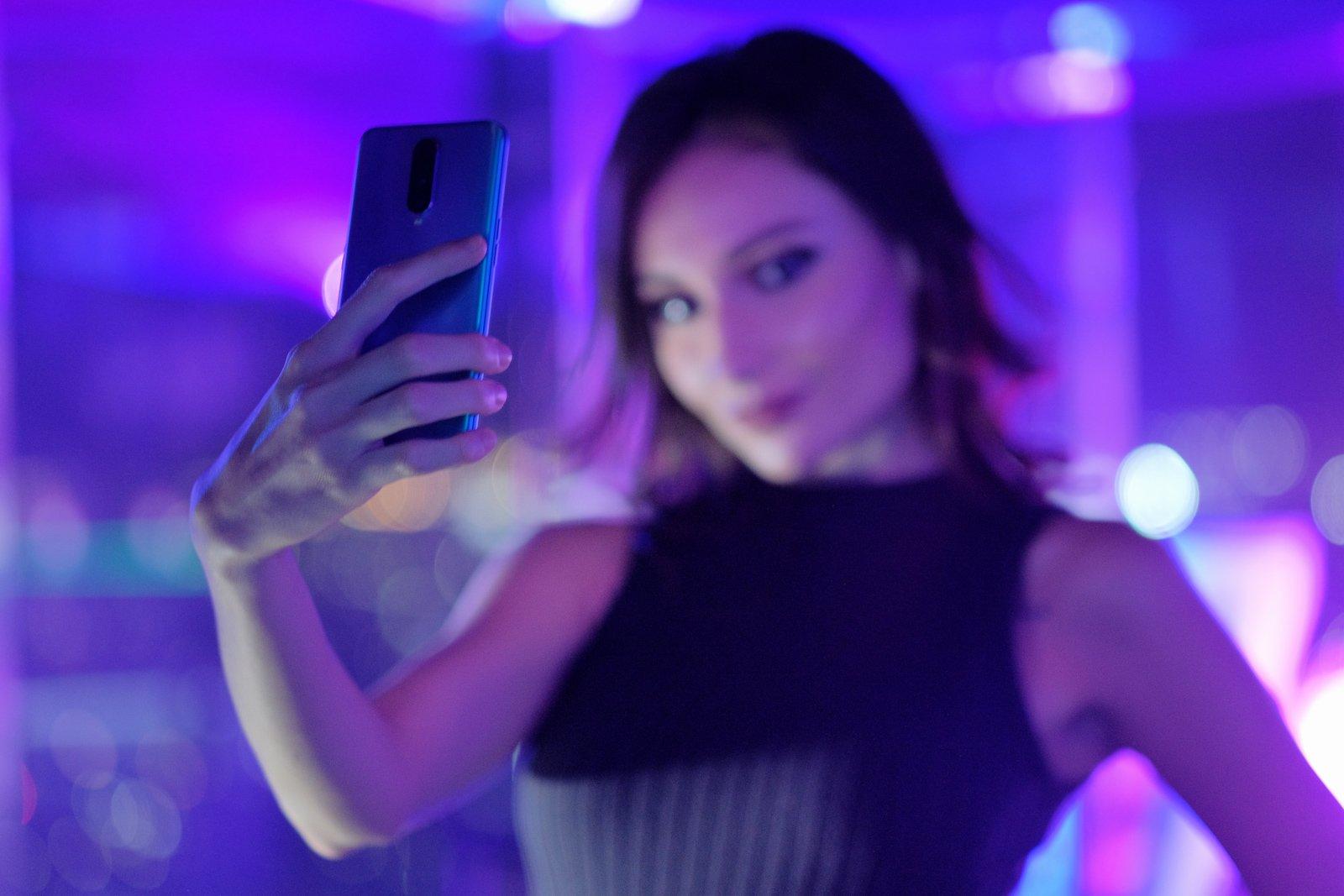 Review Kamera OPPO R17 Pro: Andalkan  Tiga Kamera Belakang dengan Ultra Night Mode 4 harga, hasil foto oppo r17 pro, kamera oppo r17 pro, oppo, r17 pro, review, spesifikasi, ultra night mode