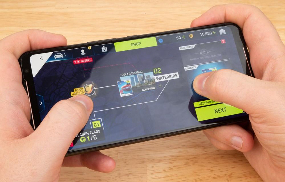 [Hands-On] Kesan Pertama Mencoba Ponsel Gaming Asus ROG Phone II 4 android, asus, Asus ROG Phone II, gaming, hands on