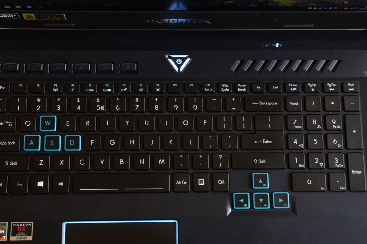 Review Acer Predator Helios 500 (PH517-61): Laptop Kencang Sekelas PC Desktop dengan AMD Ryzen 7 Generasi Kedua 18 acer, Acer Predator Helios 500, acer predator helios 500 PH517-61-R7WN, AMD Ryzen 7, harga, spesifikasi