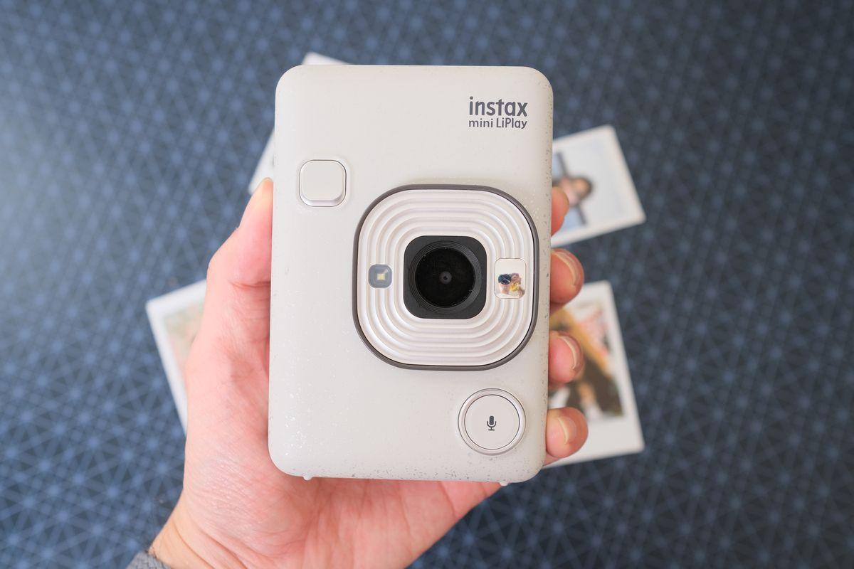 Review Fujifilm Instax Mini LiPlay: Kamera Instan Hibrid yang Bisa Rekam Suara dan Cetak Foto dari Smartphone 16 fujifilm, Fujifilm Instax Mini LiPlay, harga, spesifkasi