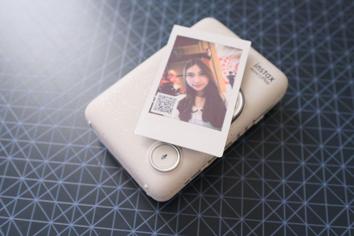 Review Fujifilm Instax Mini LiPlay: Kamera Instan Hibrid yang Bisa Rekam Suara dan Cetak Foto dari Smartphone 20 fujifilm, Fujifilm Instax Mini LiPlay, harga, spesifkasi