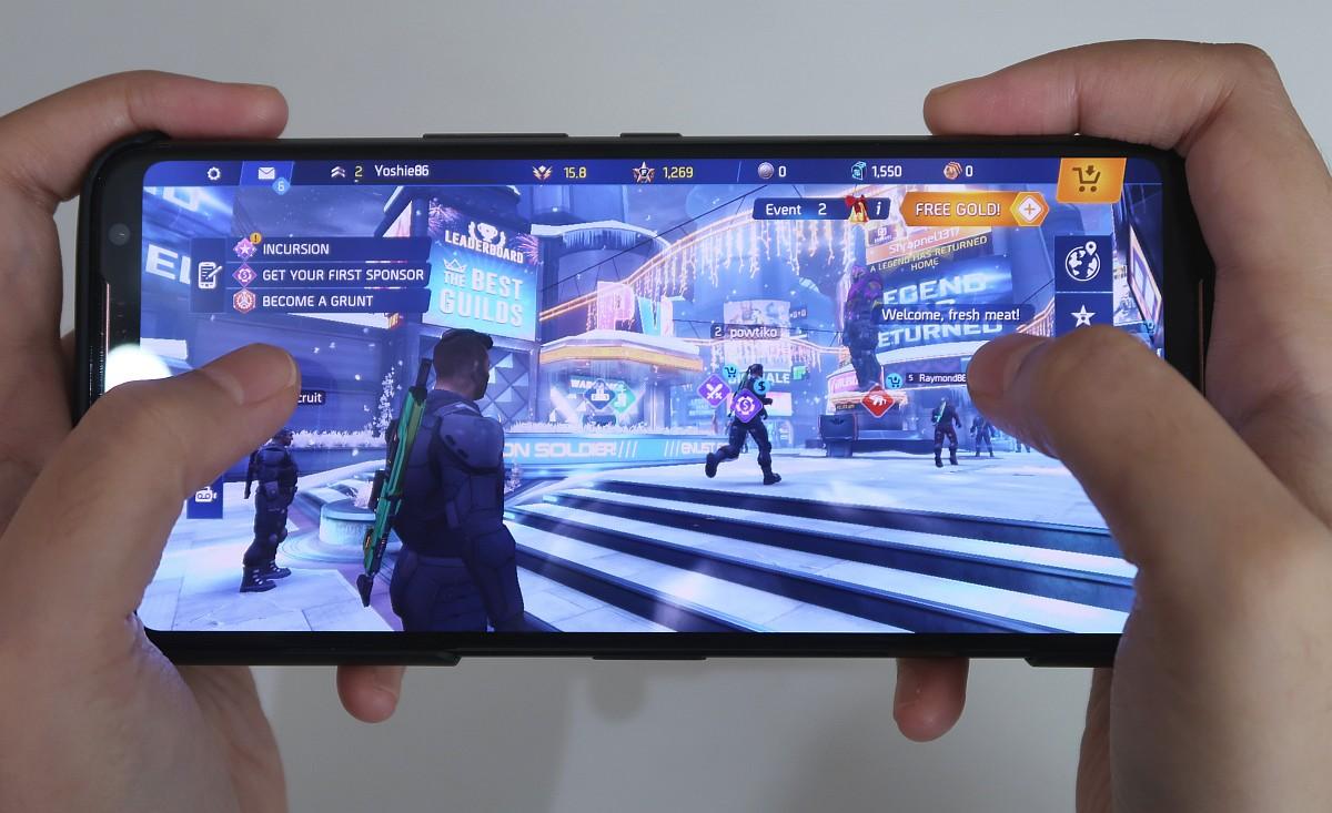 Review Asus ROG Phone II: Smartphone Gaming Terbaik Saat Ini 14 android, asus, Asus ROG Phone II, gaming