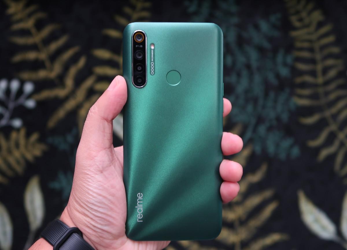 Inilah 5 Smartphone Terbaik di Bawah 2 Juta Rupiah (Maret 2020) 16 android, oppo, Realme, Round-Up, samsung, smartphone, xiaomi